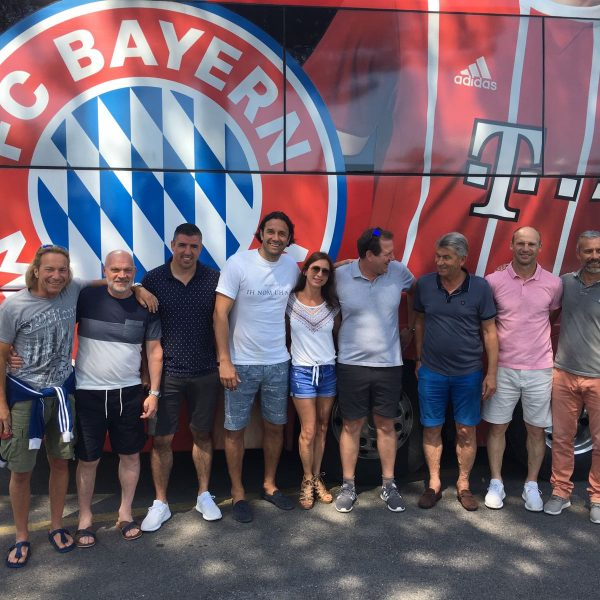 FC Bayern Legends-Team mit u.a. Roy Makaay, Luca Toni, Klaus Augenthaler